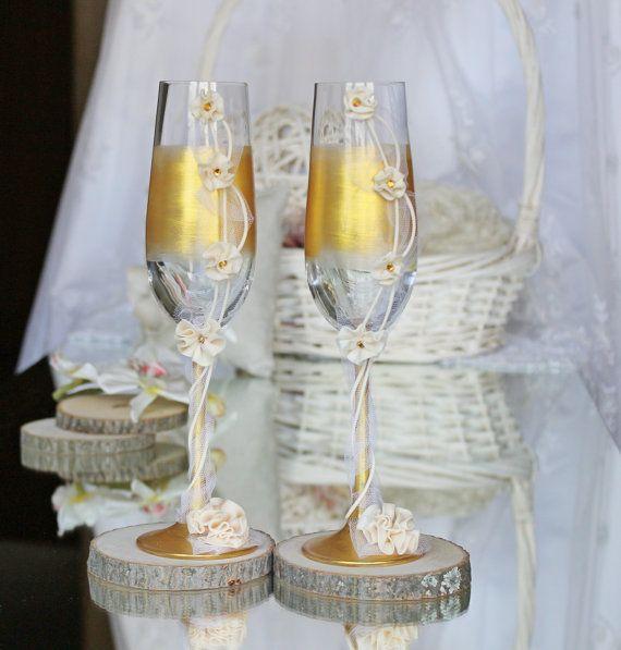 copas con detalles dorados para bodas de oro