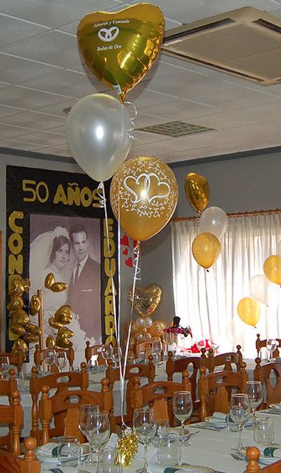 salón decorado para boda de oro