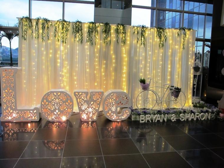 photocall con iluminación para bodas de 50 aniversario