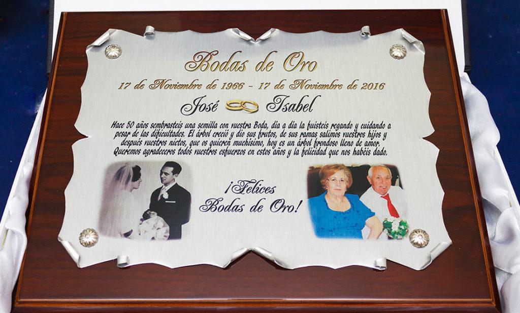 aspecto de placa conmemorativa para obsequiar en bodas de oro