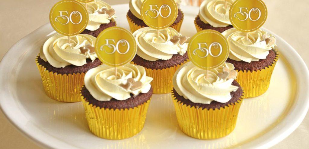 cupcakes sorpresas para bodas de oro